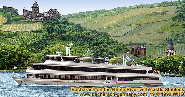 Bacharach on the Rhine river with Castle (Burg) Stahleck, Ruins of Saint Werner's Chapel (Wernerkapelle) and Peters Church (Peterskirche).